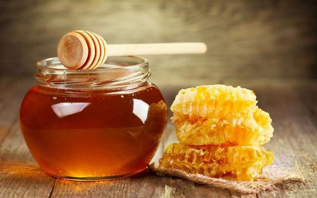Які вітаміни входять до складу гречаного меду